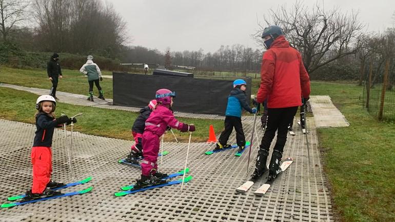 Kinderen op sneeuwkamp  (Foto: RTV Oost / Maaike de Glee)