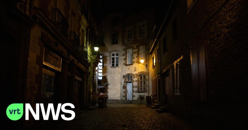 LIVEBLOG - France imposes curfews from 9 pm-8pm, zero tolerance in West Flanders during public holidays