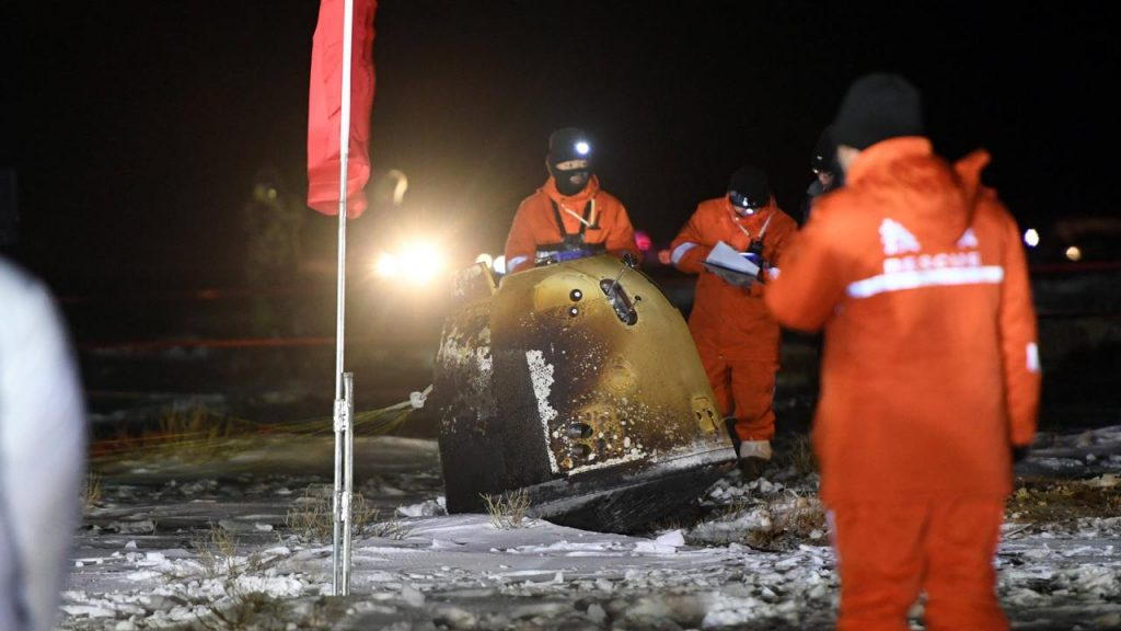 The Chinese Moon Rock capsule lands safely on Earth again |  right Now
