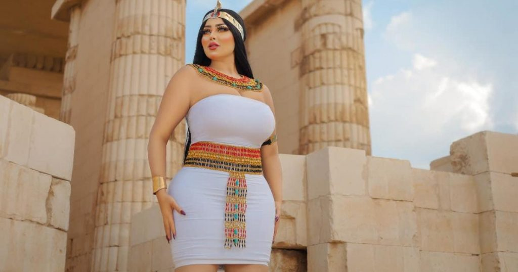 The arrest of an Egyptian model for a photo session in an old pyramid