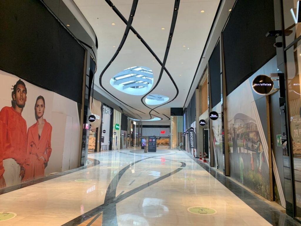 Yeah!  This popular furniture store is finally back in the Mall of the Netherlands