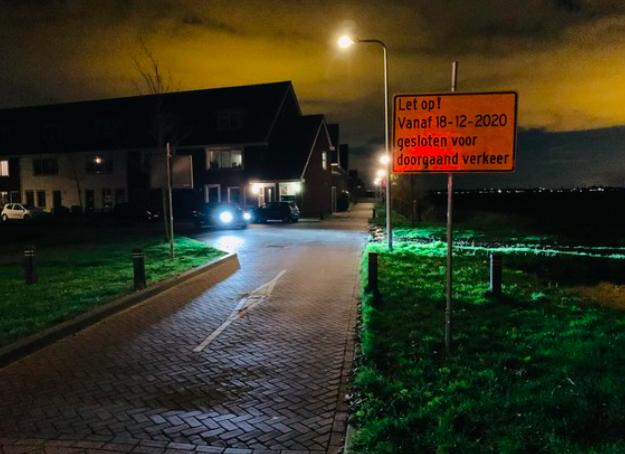 "A ""famous"" tycoon turns away from Jan van Egklan in Hezers ..."
