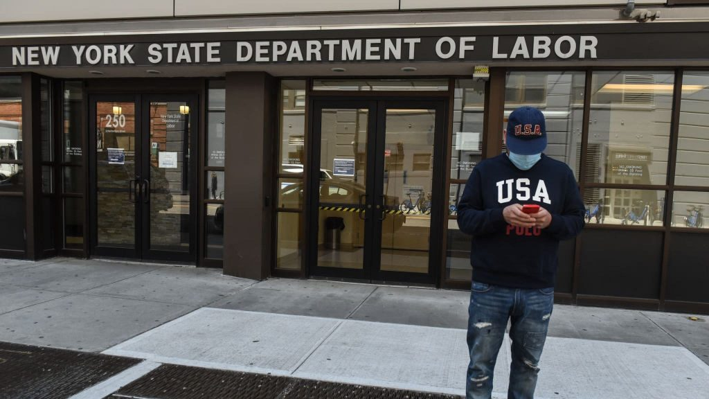 New US jobless claims shot up by 181000 last week- gov't