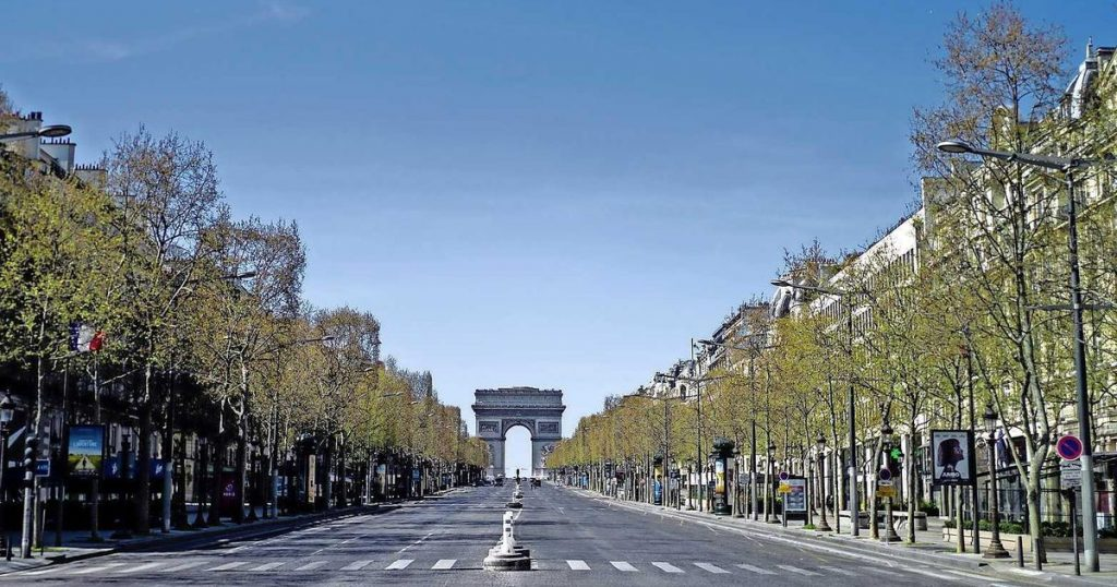Curfew from 6 pm to 6 am in France |  abroad