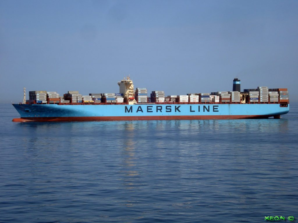 MSC anchors to rescue Maersk Box and prevent general average