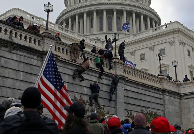 State of Emergency in Washington Until January 24, the FBI warns of armed protests