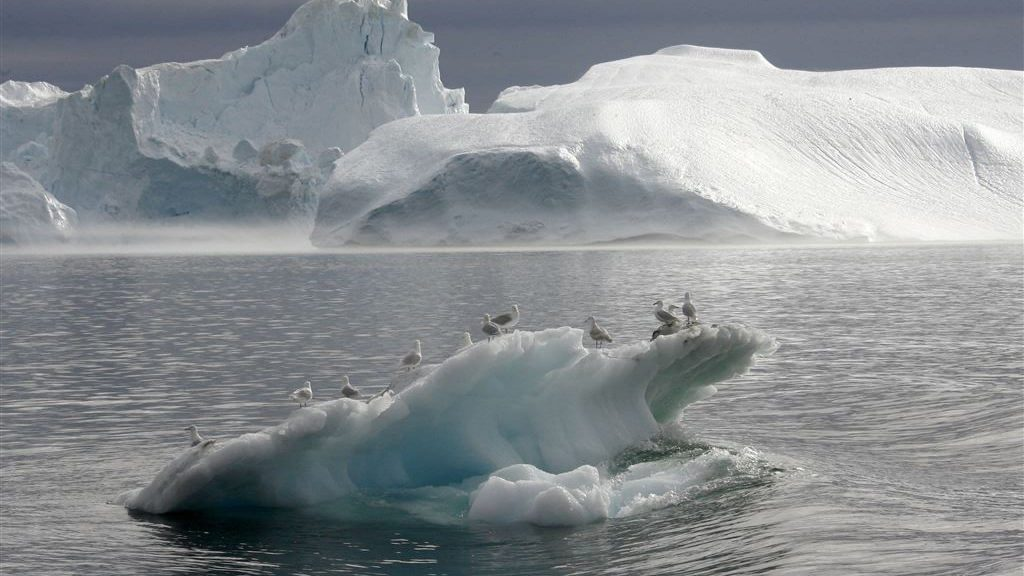 The ice is melting faster and faster, with dire consequences for people on the coast at the end of this century