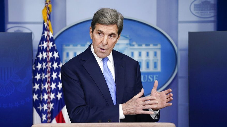 """Iranian refugee criticizes John Kerry's """"anti-American"""" background with Iran during the Trump administration"""