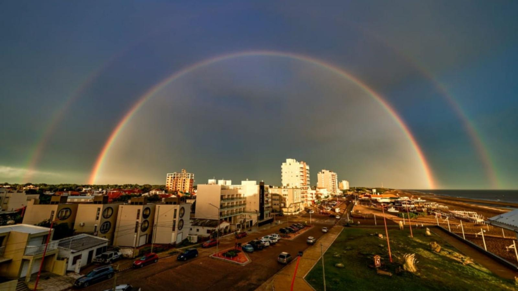 The amateur photographer managed to capture the perfect rainbow