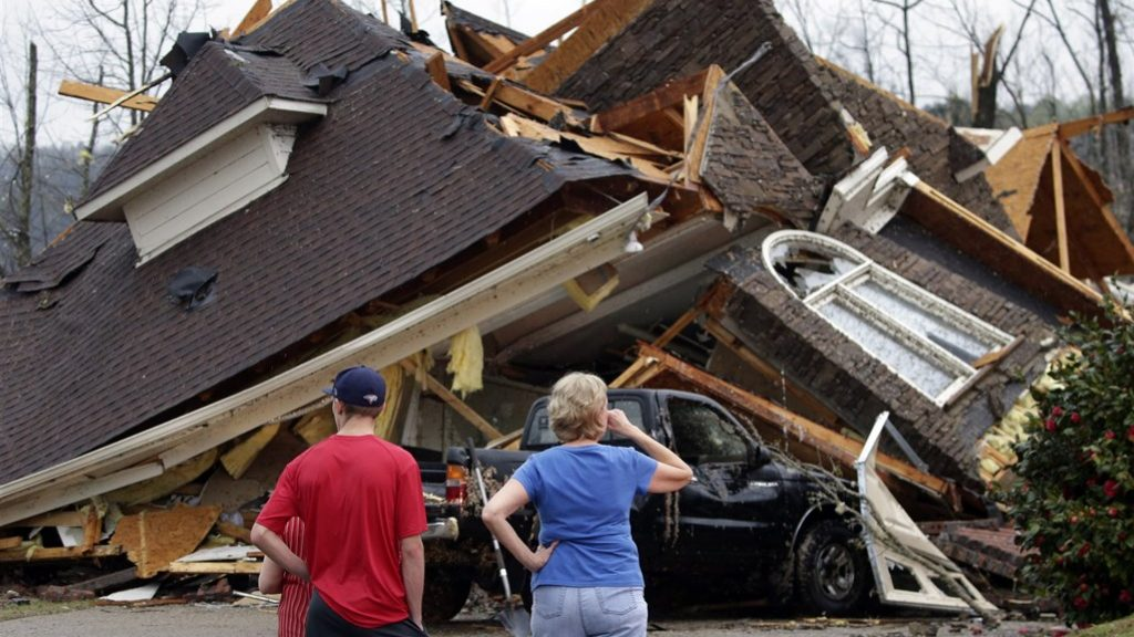 At least five deaths from a hurricane in Alabama