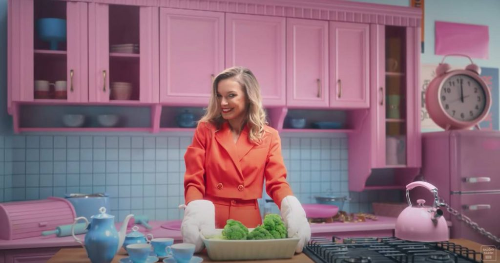 Poland launches new TV channel to give housewives a glamorous image |  healthy