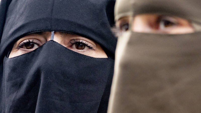 The Swiss agree to ban the burqa