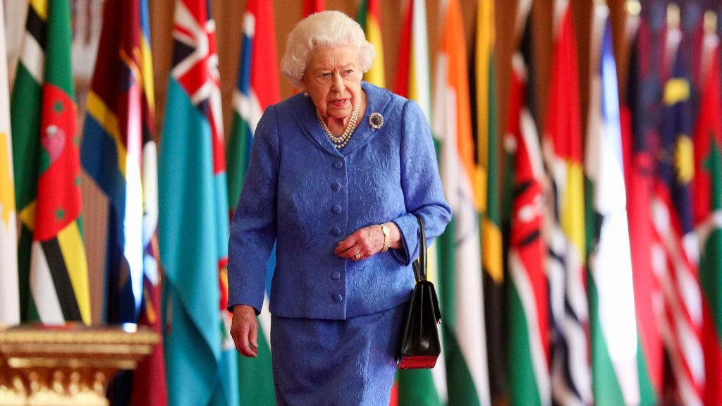 The brooch that the Queen wore while talking was deliberately chosen