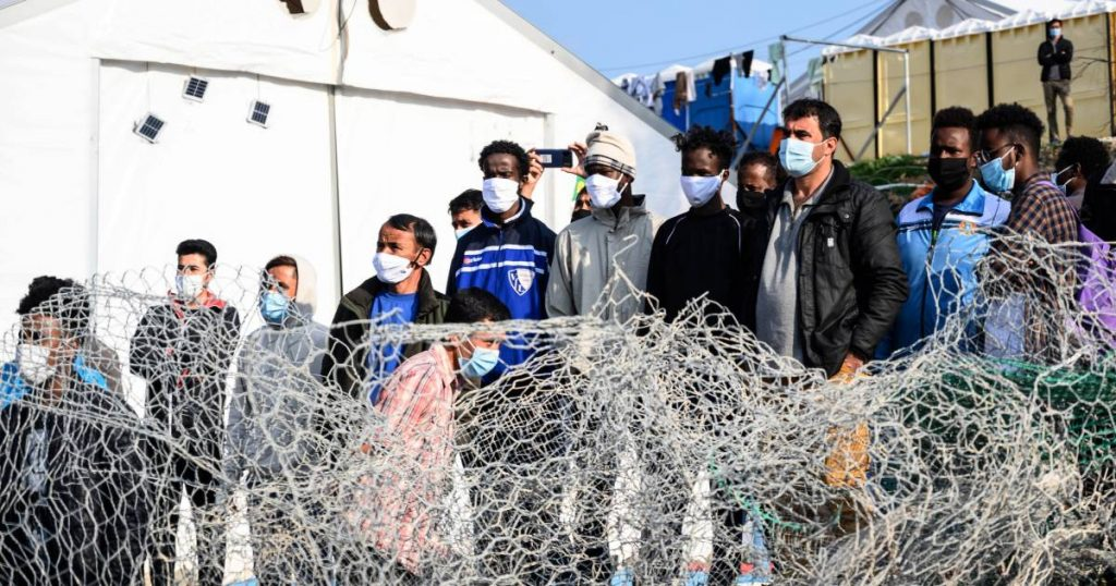 "The inhabitants of Lesbos do not want a new ""prison"" at all: ""Europe, shame on you!""  