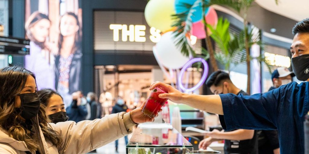 The largest shopping center in the Netherlands has now opened