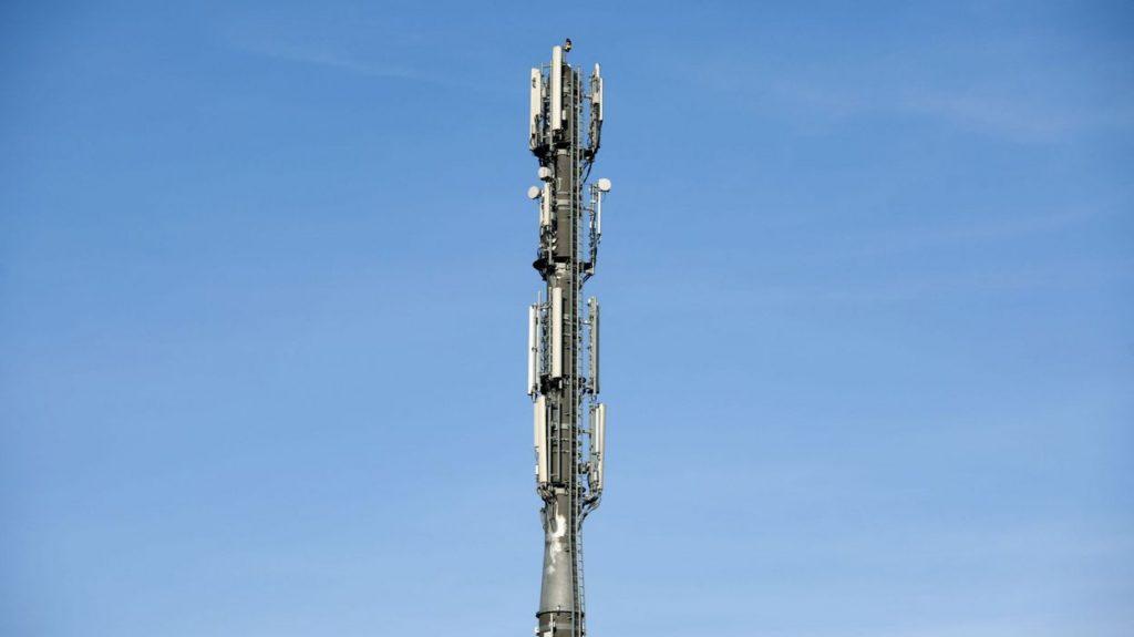 The municipality revokes permits for GSM antennas