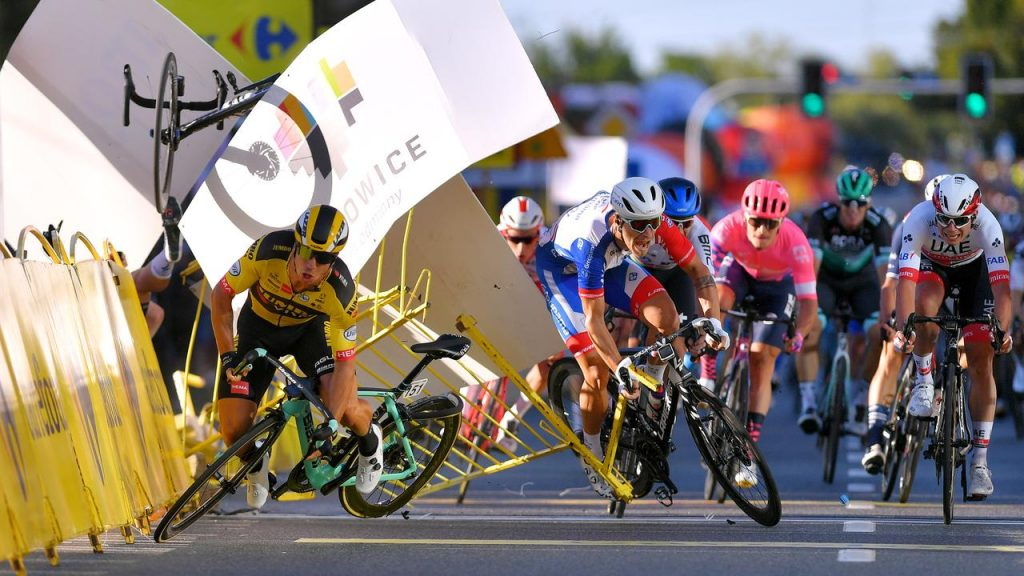 UCI no longer allows fast races with the road surface falling off, as is currently the case with Jakobsen's crash