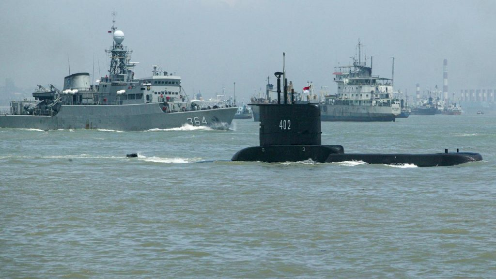 One Indonesian submarine found in three pieces, all 53 of them died  right Now