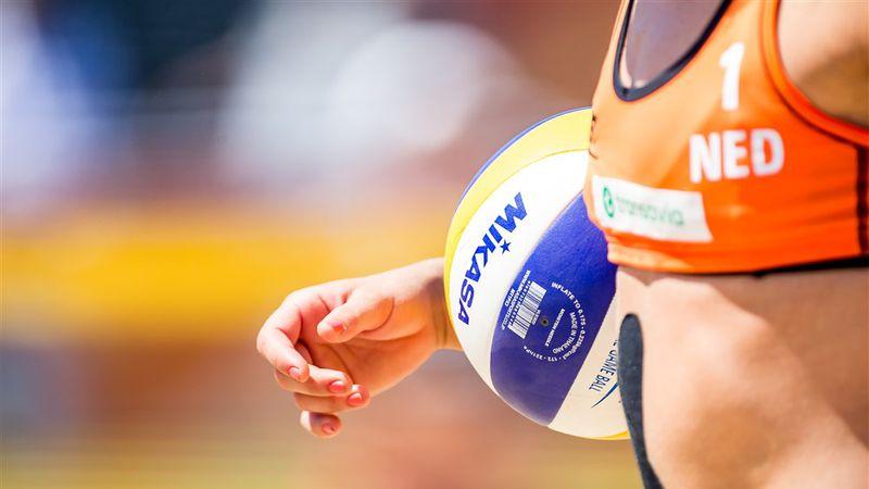 Beach Volleyball Players Meet Bikini Ban    panorama