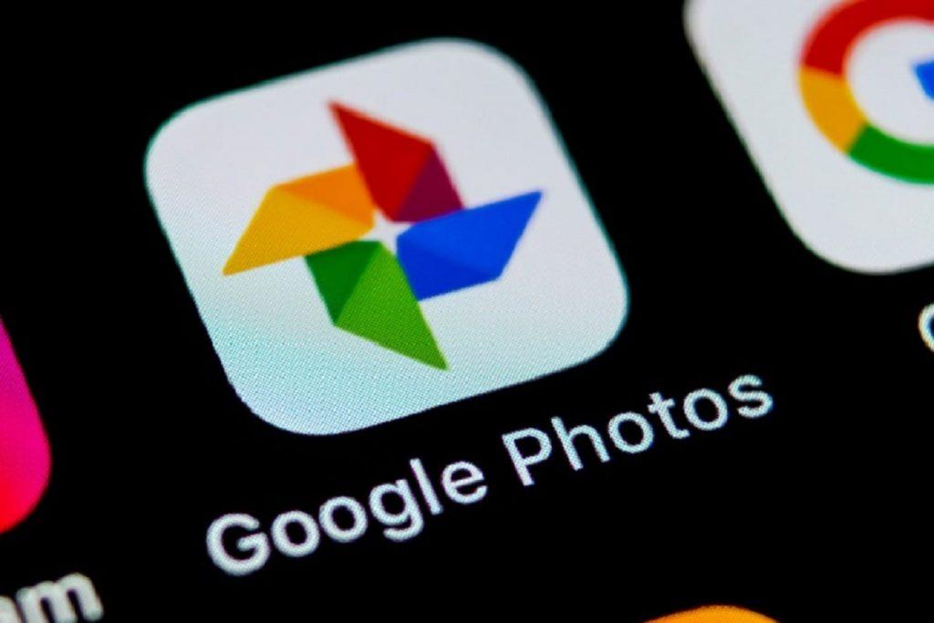 Google फोटोज़ की फोटो रिस्टोर की जा सकती है.