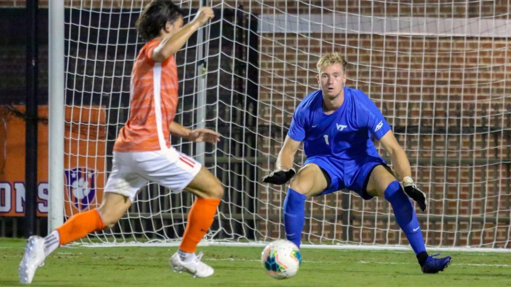 'It's like a movie' a Dutch student enjoys a soccer adventure in the US