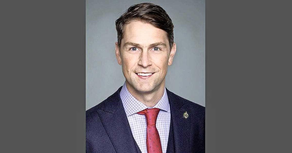 Canada MP again caught naked during parliamentary