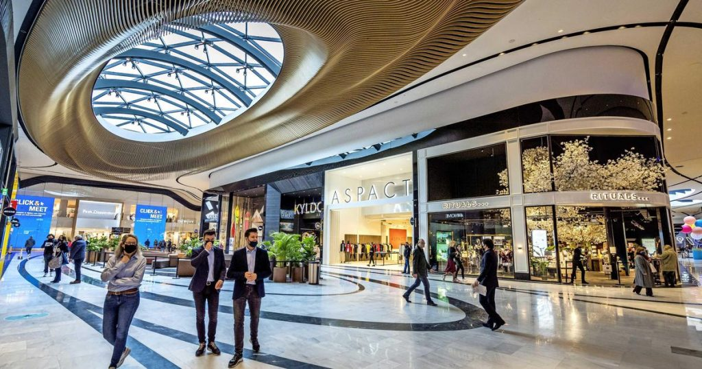 Spotlight in The Mall of Holland for Unibail |  Financial issues