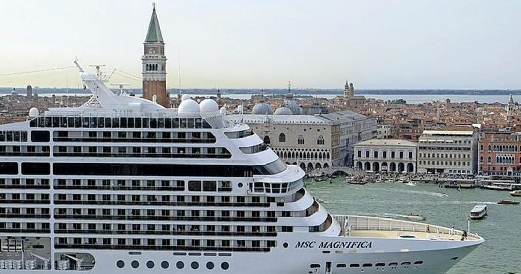 Venice bans cruise ships |  Abroad