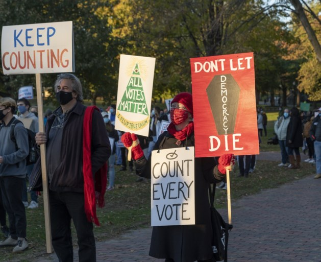 US protests: 'Stop counting' for 'Count all votes'
