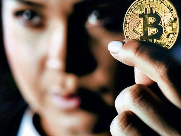 Bitcoin collapses again and accumulates loss near 50% |  international
