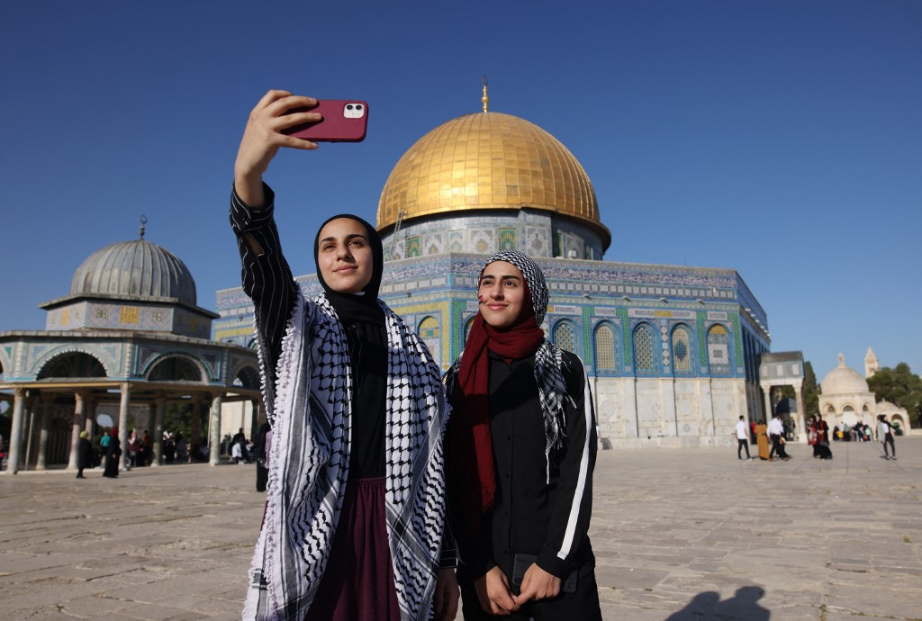 Instagram explains the reason for removing posts from Al-Aqsa
