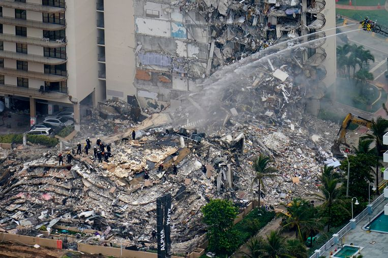 156 others missing in Miami: How could a 12-story building collapse?