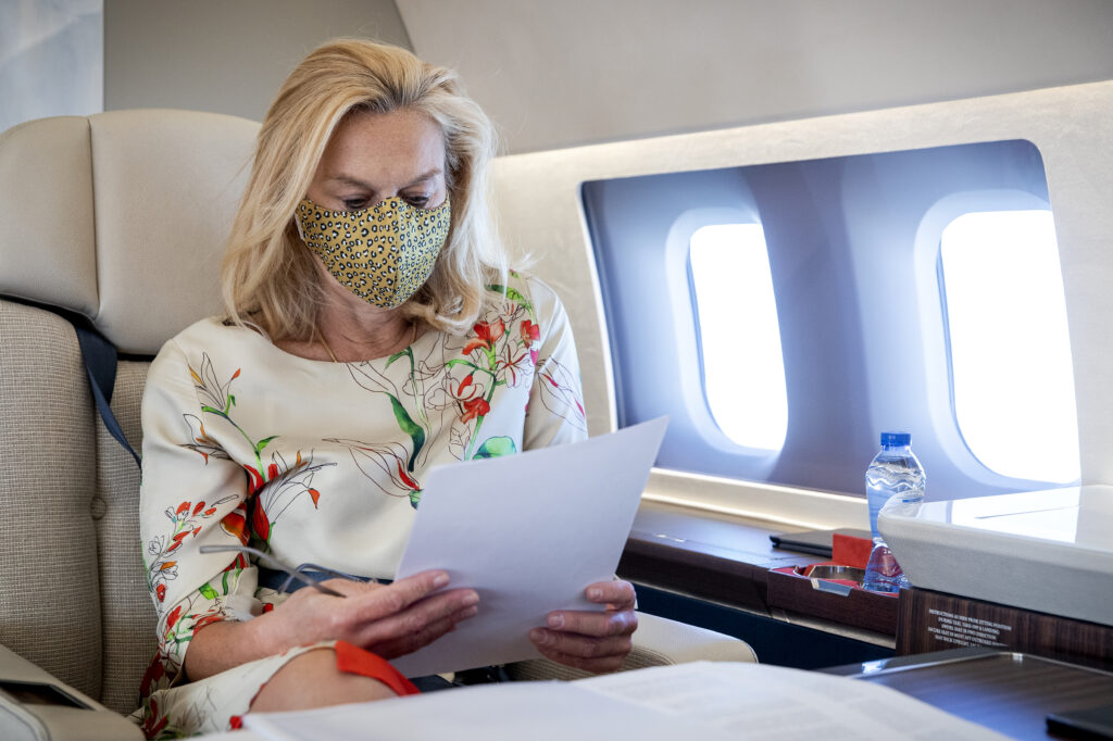 Fuss about Sigrid Kaag who is going to Luxembourg on a government plane