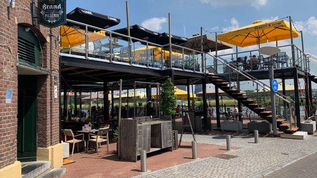 Café Wessem creates an additional terrace to compensate for the damage    1 Limburg