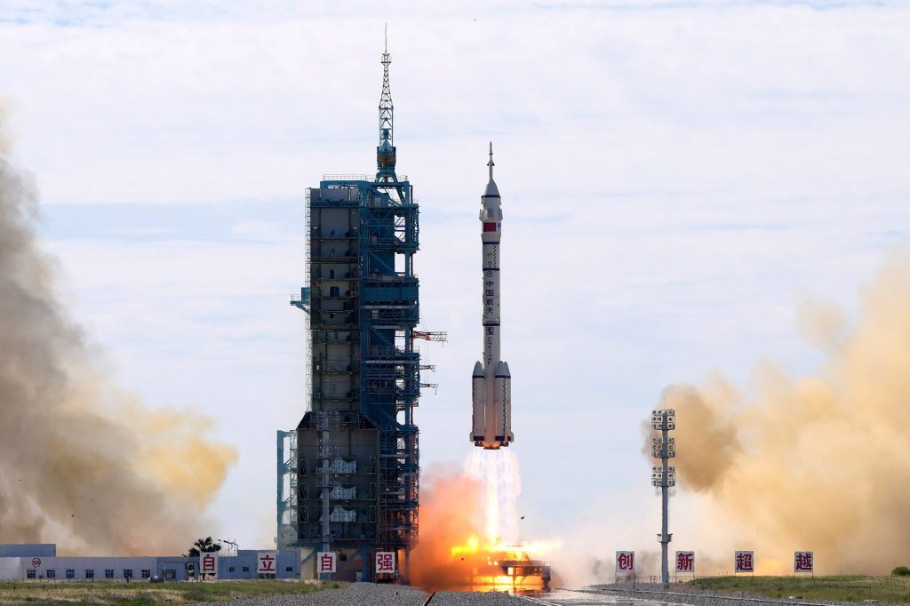 Spaceflight, Science/Tech |  Astronauts on their way to China's new space station