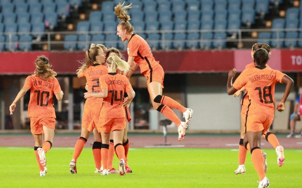 Women's Orange defense looks weak once again in an attractive error-filled match against Brazil (3-3)