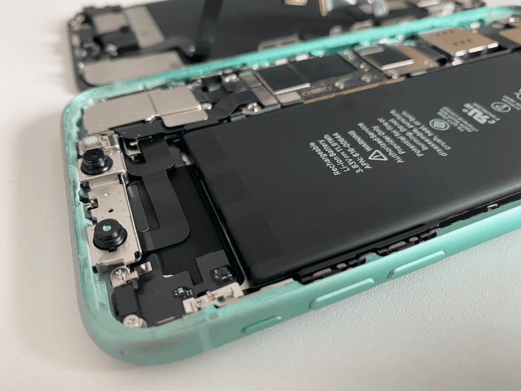 ¿Es bueno cambiar la batería de tu móvil? ¿Afecta al rendimiento?