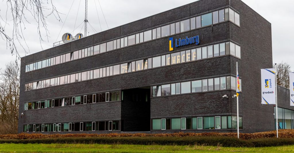 Three members of L1's supervisory board will resign as of August 1