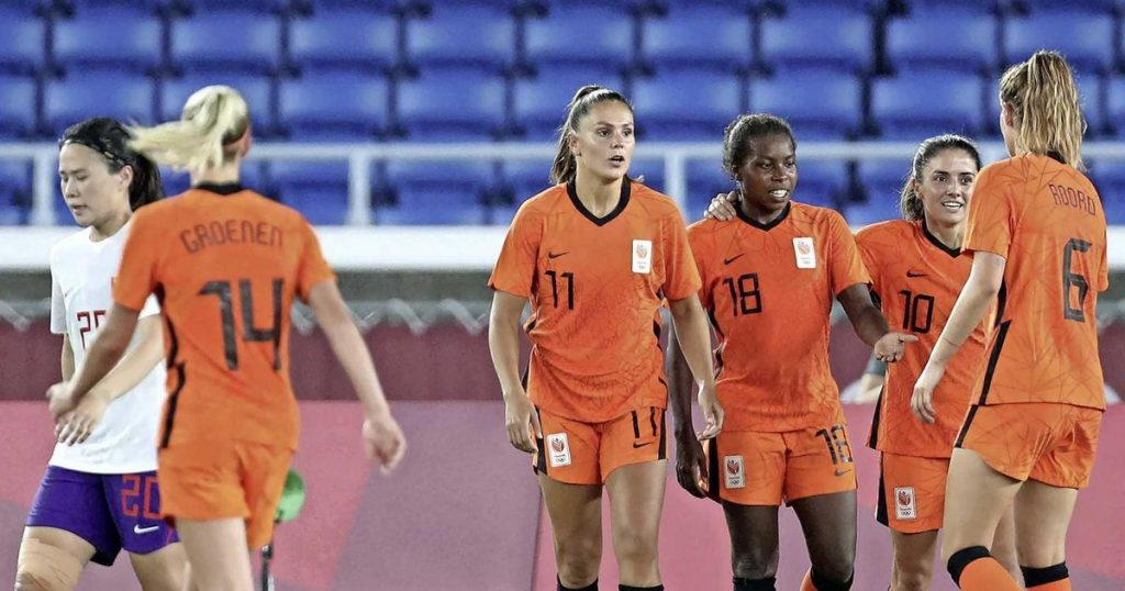 Orange awaits the Olympic ball against America after the third goal in a row    football