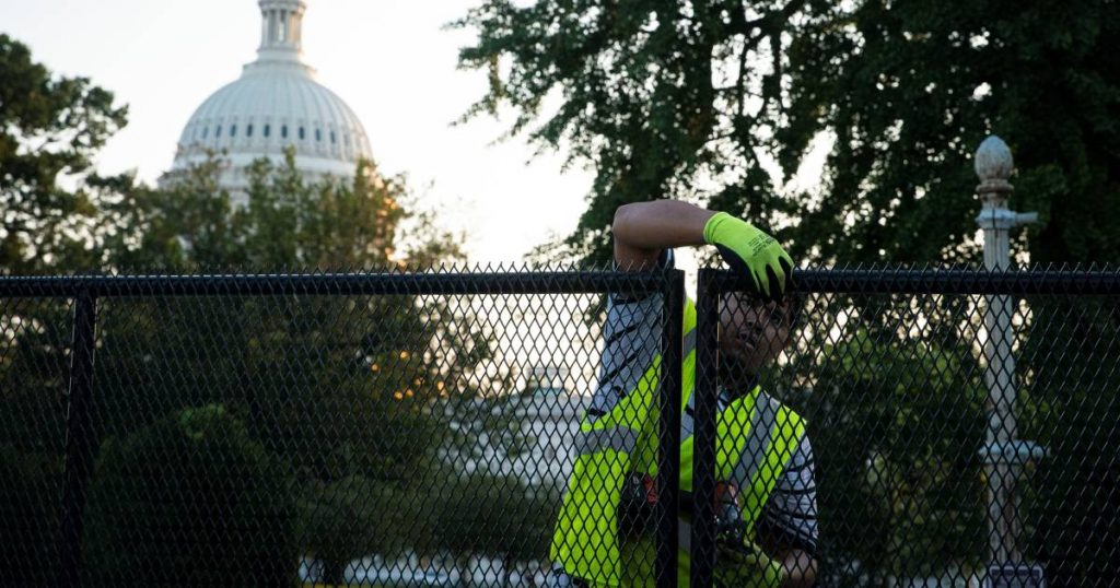 Six months after the storm, the removal of the Capitol fence begins |  abroad
