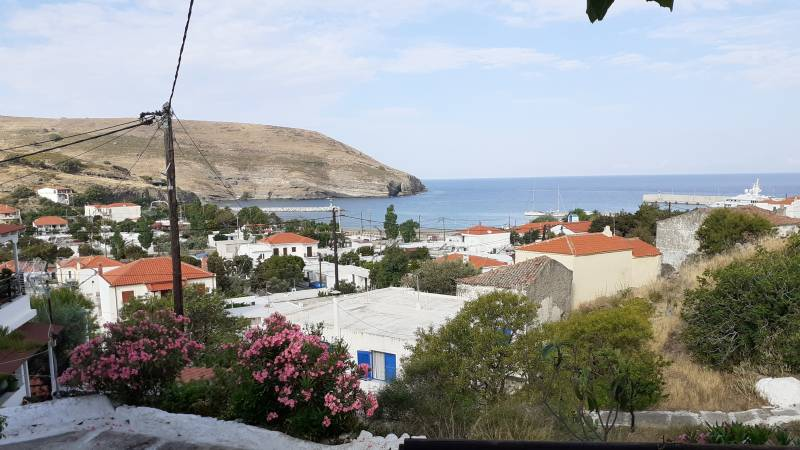Small Greek islands don't wait for EU rules and turn green on their own