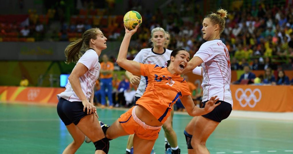 Top handball player Yvette Broch refuses to be vaccinated and quits Olympics