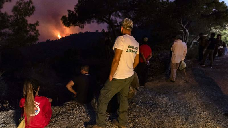 Violent forest fires in Cyprus claim four lives, and the president speaks of a 'tragedy'