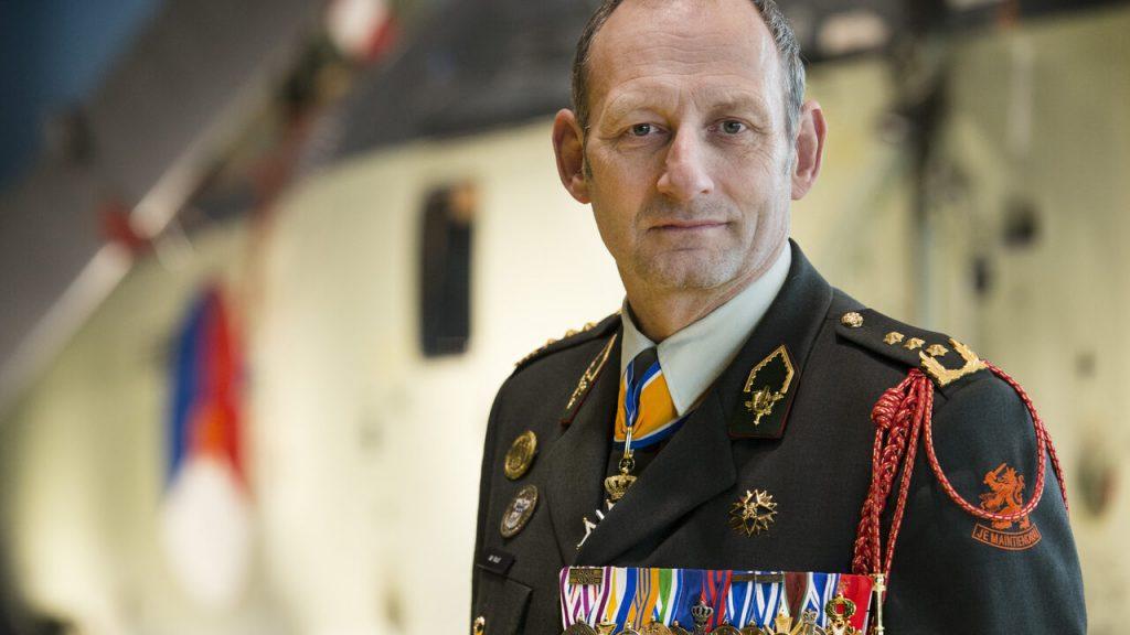 Former NATO commander Mart de Cruyff tries to rescue Kabul evacuees