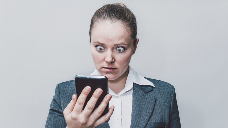 How do you know that your phone is hacked?