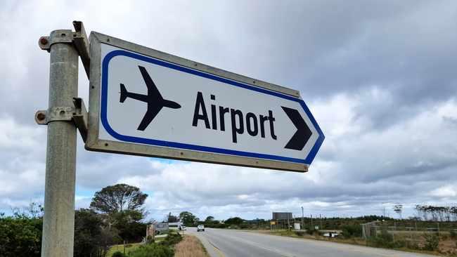 Satsa criticizes UK for keeping it on travel red list
