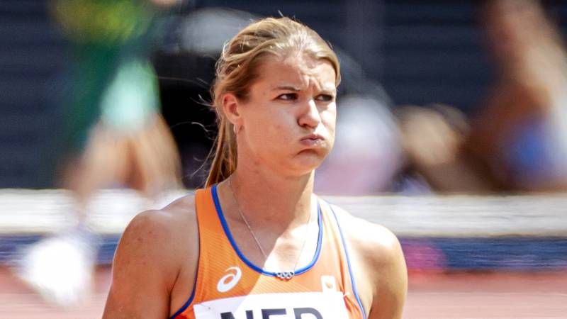 Women relay despite tough change in last 4x100m: 'One more chance for good luck'