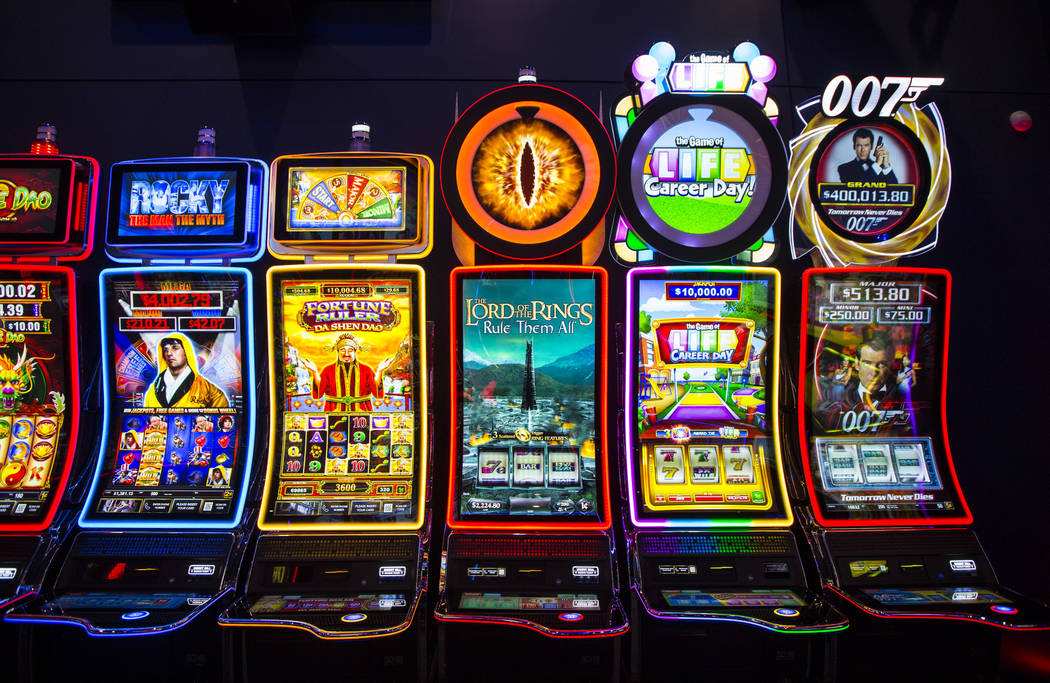 Slot Machines Mechanics: Reels, Paylines, Wild & Scatter in Slots