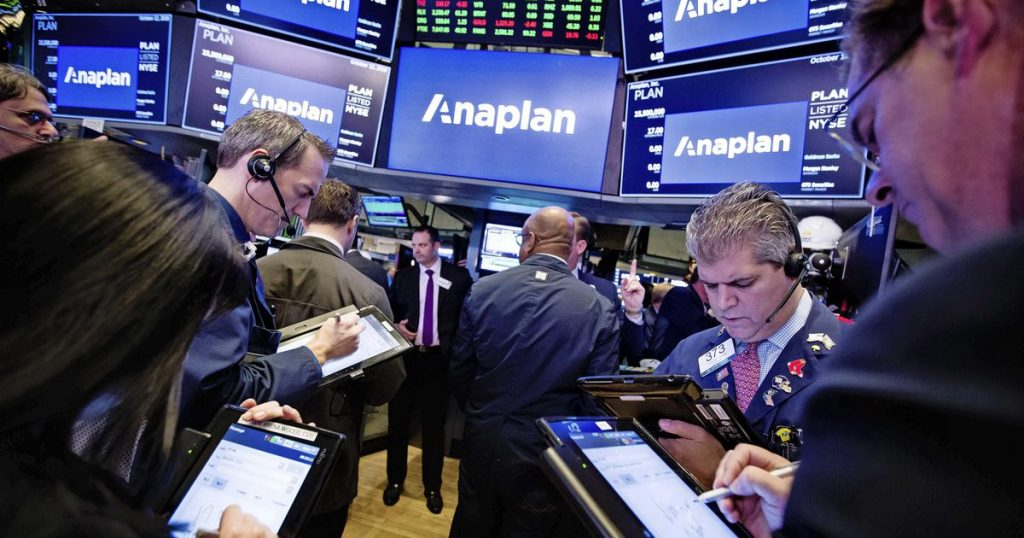 Nasdaq rises despite disappointing employment figures    Financial issues