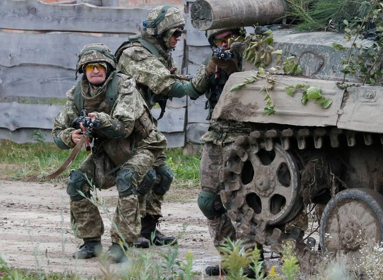 """Putin believes that NATO and the United States are crossing the """"red line"""" by conducting military exercises in Ukraine"""